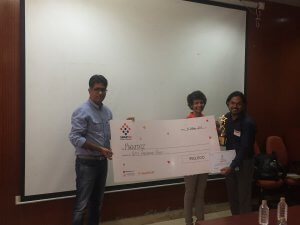 Machstatz recieving cheque for 50k, Runner-up SmartUp B Plan Contest